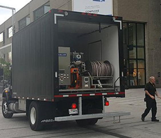 Beer Delivery Truck with Serving Beer Tanks inside