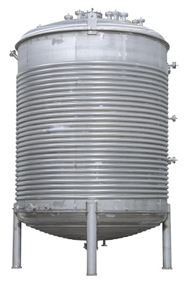 Speciality processing tank with half pipe heat transfer